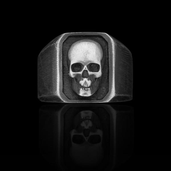 Jean- silver skull ring