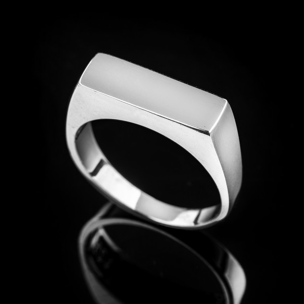 Alex signet ring