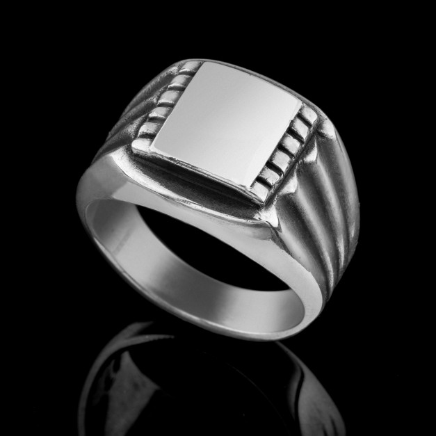 Gentleman- signet ring