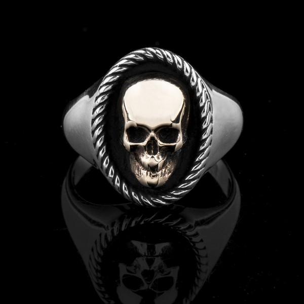 Elizabeth Gold- skull ring