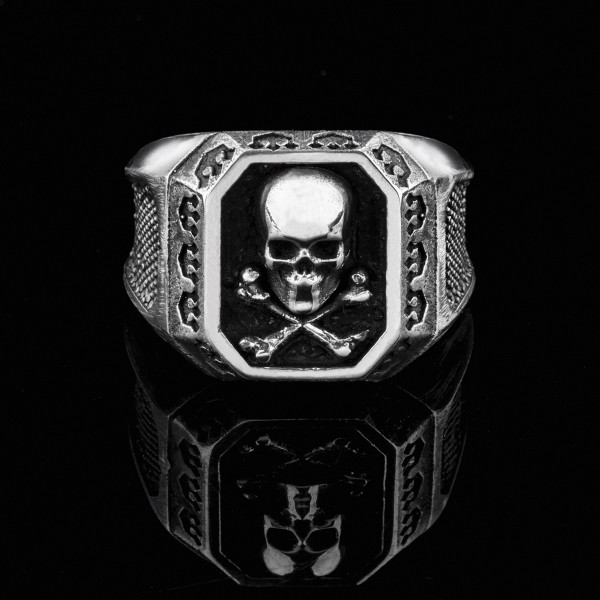 Edward- silver cross bones skull ring